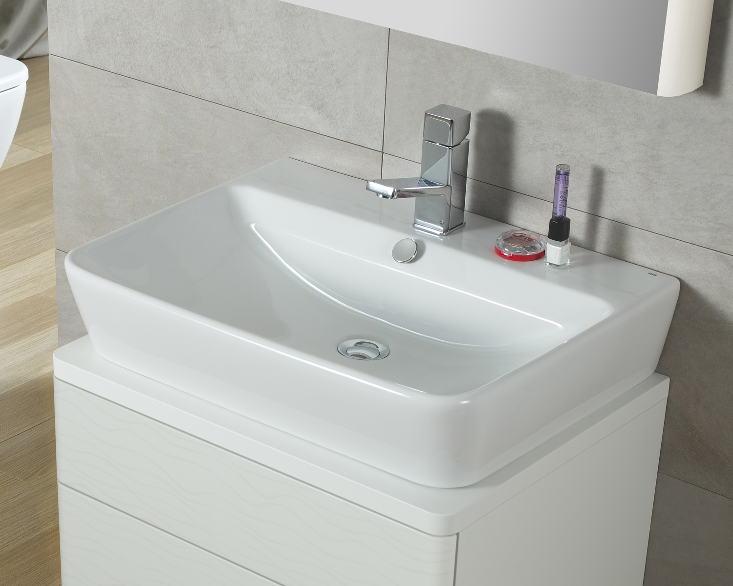 Picture of Bissonnet Emma 55 Wall-Mount Italian Ceramic Sink