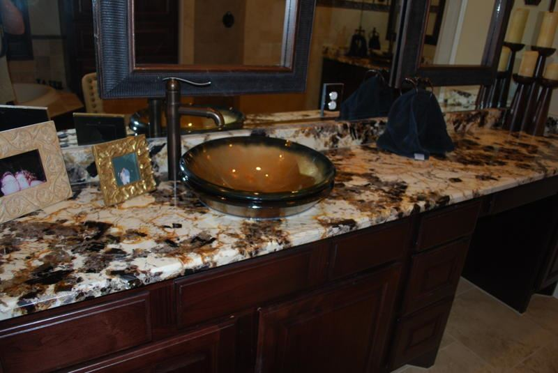 Picture of Bella Oro I Round Glass Vessel Sink
